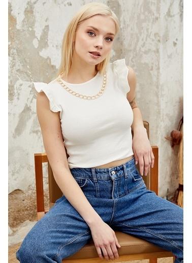 Reyon REYON Kadın Kolye Aksesuarlı Sıfır Kol Bluz Beyaz Beyaz